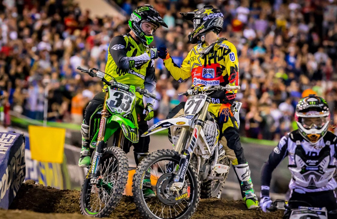 #TBT On that respect game 🤜🏼🤛🏼 @SupercrossLIVE https://t.co/3YoMbQcxOL
