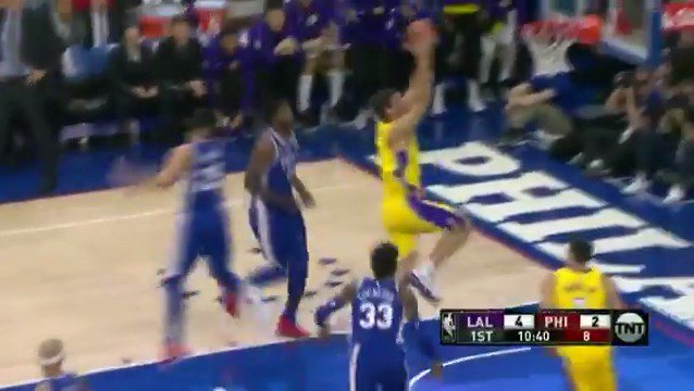 Brook pump fakes, and Brook slams it home!  #LakeShow https://t.co/mtaMpAHzMi