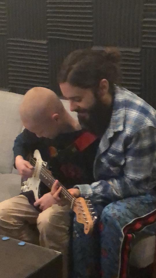Noah + I writing a new @30SECONDSTOMARS song together ???????? https://t.co/6JGVIQvjbU #TeamNoah https://t.co/e8Y09D89hi