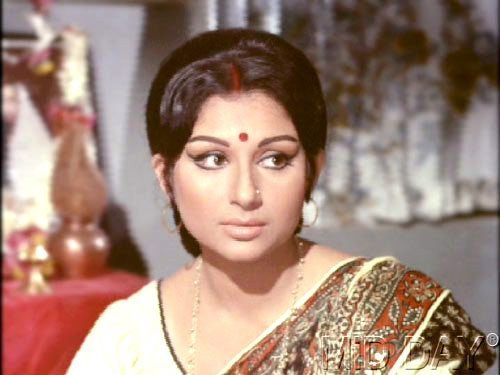Happy birthday sharmila tagore these are the reasons who makes her an idol women