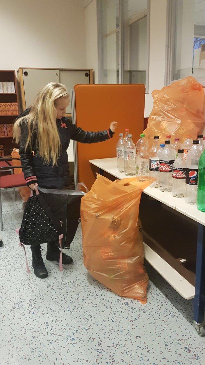 test Twitter Media - Op school zijn inmiddels al heel wat flessen ingeleverd voor Serious Request Zuidhorn. Zo dragen we ons steentje bij aan het verenigen v verscheurde families in rampgebieden. https://t.co/gR7Fe9R7eM