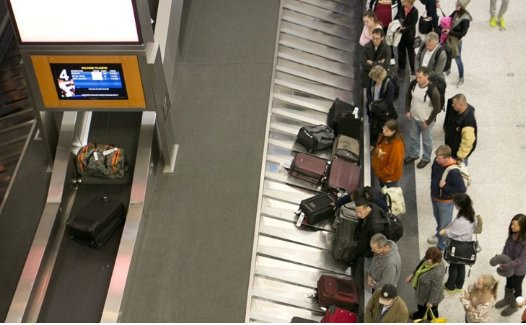More than 130 flights delayed, canceled at Austin airport during snow Thursday