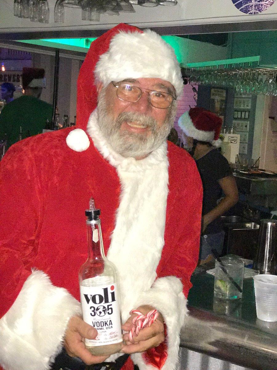 Look what Santa brought me for Xmas @Voli305Vodka ho ho ho que ricoooooo https://t.co/87GdXZQEMJ