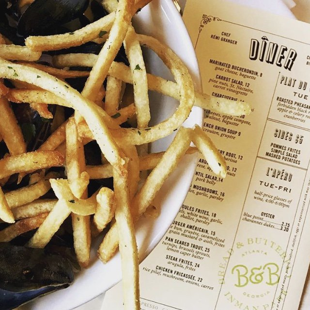 #Fries on #Friday = the BEST combination 🍟 . . . 📷 <a href=https://twitter.com/breadbutterfly_ target=blank>@breadbutterfly_</a> <a href=https://t.co/ak81wvV1RY target=blank>https://t.co/ak81wvV1RY</a>