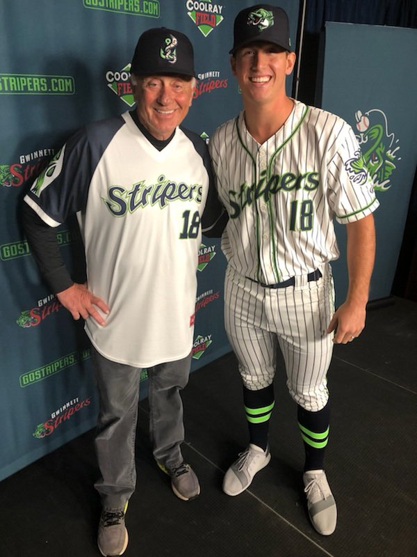Hall of Famer Phil Niekro and @LSims_ sporting the brand new @GoStripers gear! https://t.co/xSl29xwMTb