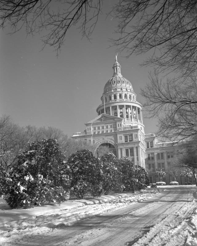 statesman snow in austin