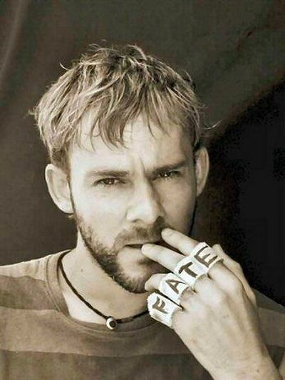 Also join us in wishing a happy birthday today to Dominic Monaghan (Charlie)!