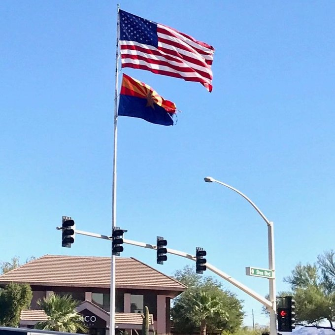 @FountainHills, AZ #Flagpole's #Flags #Arizona State Flag marking the spot. #Tonto National Forest #Jeep Country https://t.co/5vlDIMlgmC https://t.co/i82wsA9wHd