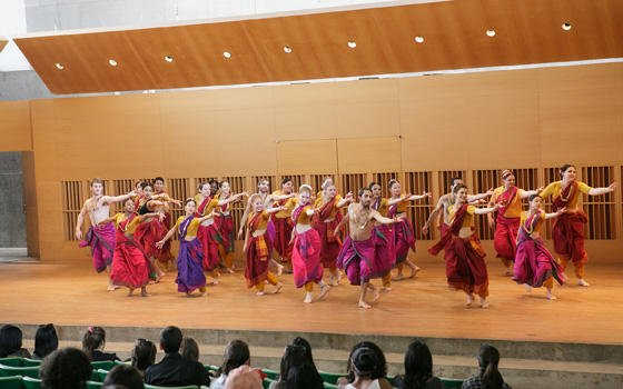 "test Twitter Media - Worlds of Dance Concert tomorrow at 2pm in Crowell Concert Hall! ""Intro to Dance"" and other beginning dance students performing works of various styles, including Bharata Natyam (South Indian classical). FREE! https://t.co/CvznnEYeXp @WesCFA https://t.co/igj3lzXSdi"