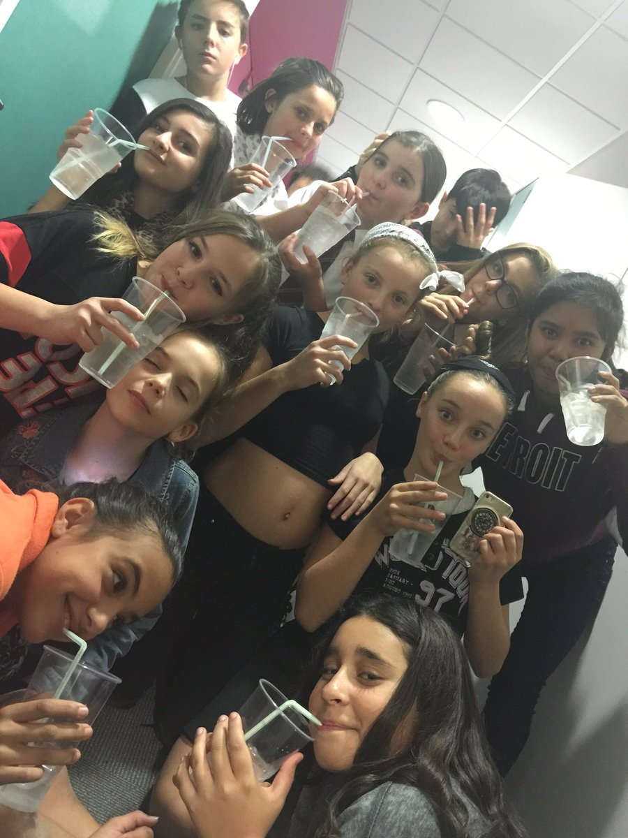 test Twitter Media - Last night of @LMDCSOR and the girls enjoying their cocktails of ice and water! 😂👍💪🎟💙🌟👌👏🔥🎯🎤🎧🎹 @LamareHighSchoo @GuernseyArts @GuernseyPress @ArtsImpactGSY @SchoolOfRockUK @SchoolofRockUSA #GetInspired #getinvolved @GovEducation @healthyschools https://t.co/T3YZtfo0mT