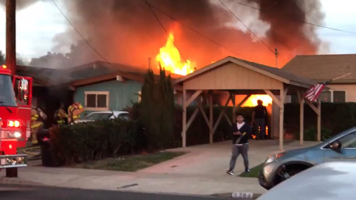 2 people injured after small plane crashes into San Diego home
