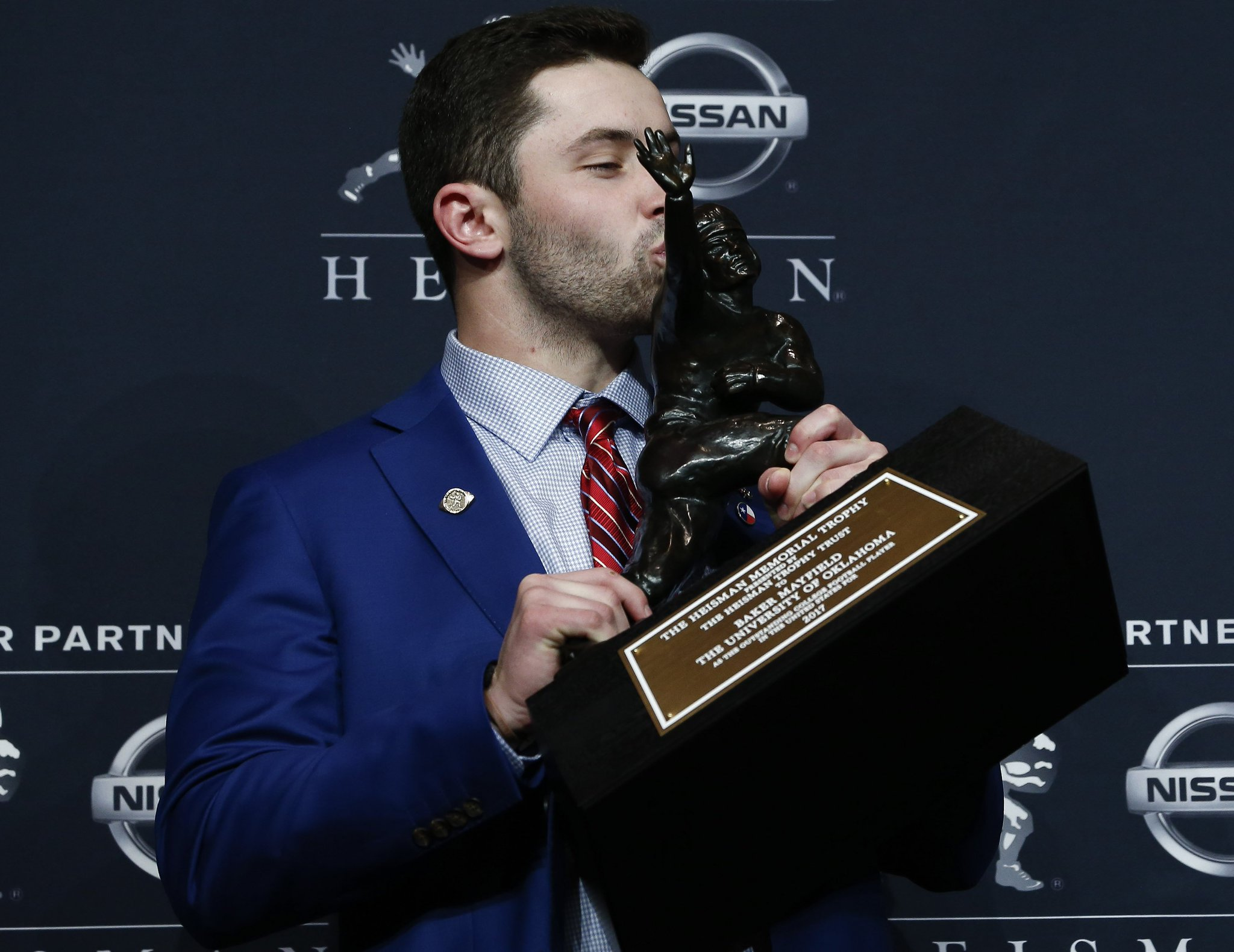 While his antics may be questioned, Baker Mayfield's Heisman win should not be questioned https://t.co/iwlJoLkF2z https://t.co/x3rh3fl5jZ