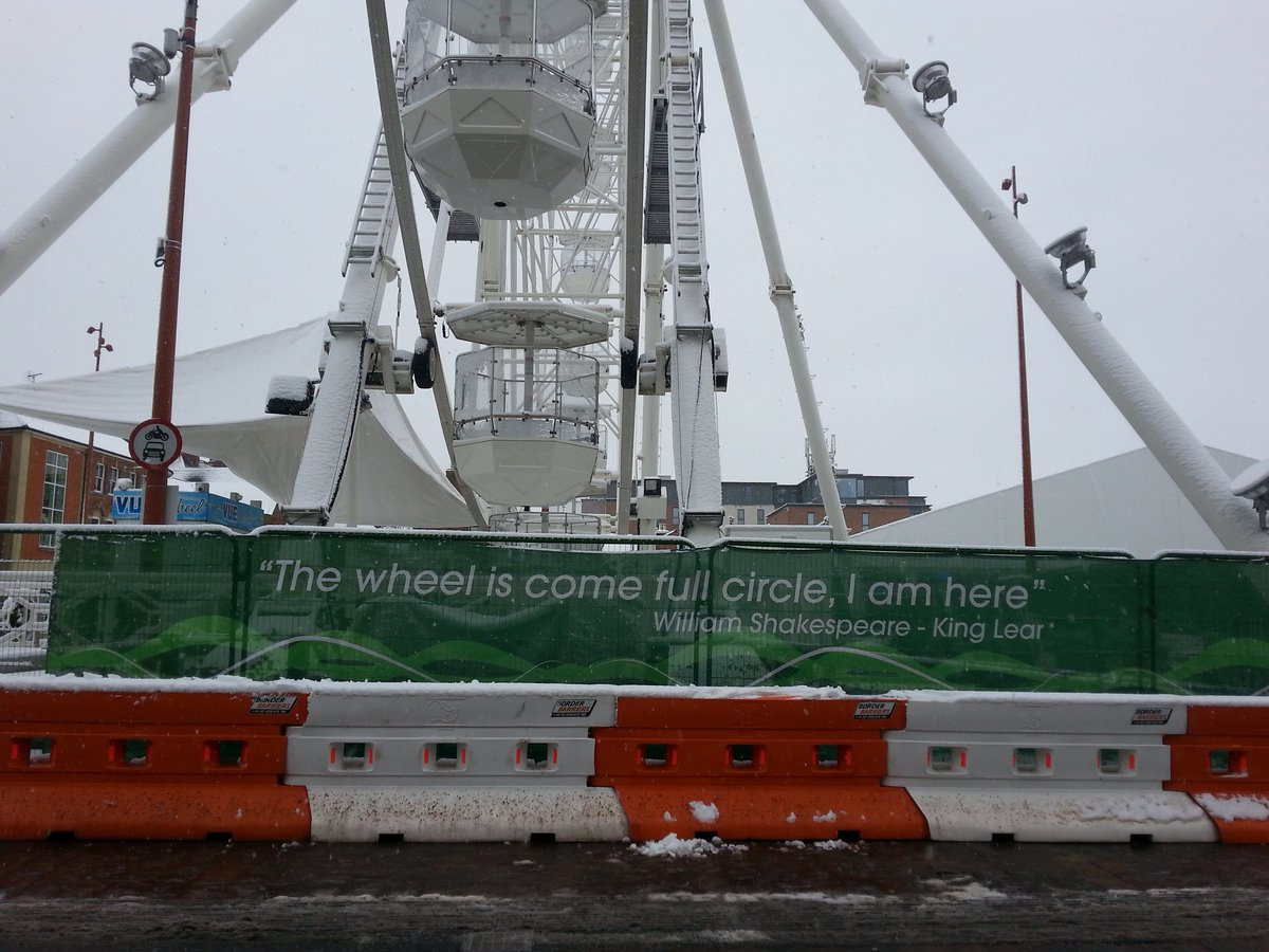Right Lear, right now - #ShakespeareSunday at the big wheel in a very snowy #Leicester! https://t.co/O7fLh8JKPG