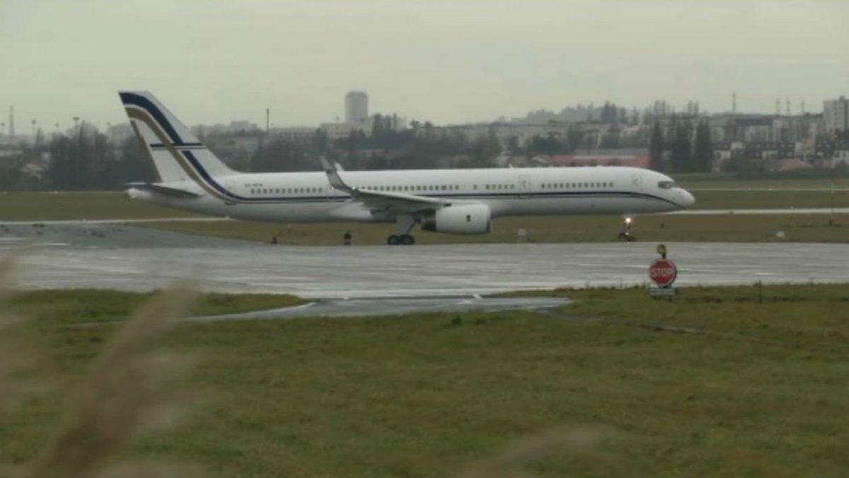 L'avion transportant Johnny Hallyday quitte Paris et s'envole pour Saint-Barthélemy