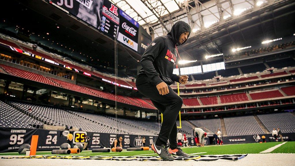 Warmups ✅  #SFvsHOU kicks off at 10am PT on @NFLonFOX https://t.co/ksl8EPplQp