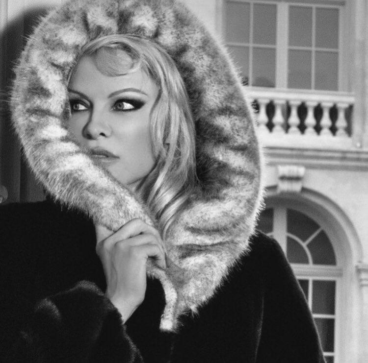 Pamela Anderson Eco Furs Collection https://t.co/0X5WWtvH8H #ecofur https://t.co/svprpnPVLV