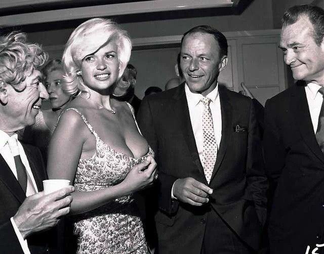 #HarpoMarx, Jayne Mansfield, Frank Sinatra, Red Skelton backstage at a Palm Springs Police Show. https://t.co/NWmNqLecrn