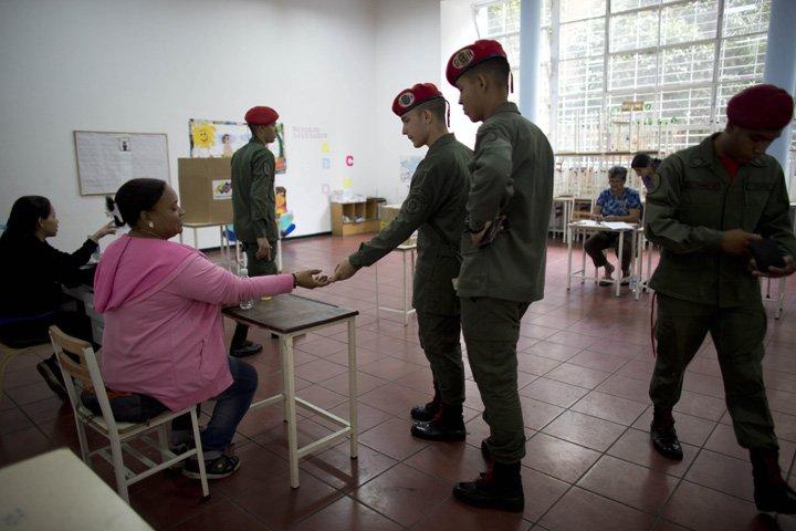 @BroadcastImagem: Venezuela tem eleições municipais e partido de Maduro deve consolidar hegemonia, Ariana Cubillos/AP