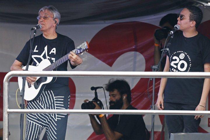 @BroadcastImagem: Caetano Veloso e Maria Gadú se apresentam na festa de 20 anos do MTST, em SP. Alex Silva/Estadão