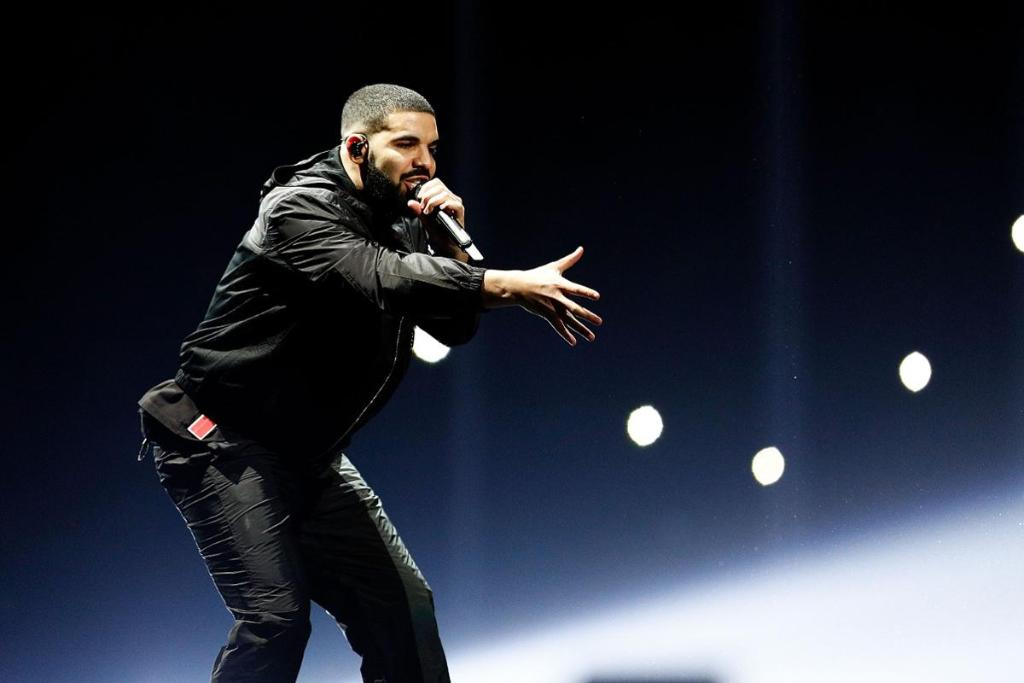test Twitter Media - World's highest paid musicians of 2017: 1. Diddy - $130 million 2. Beyoncé - $105 million 3. Drake - $94 million .https://t.co/SLg03JhA9o https://t.co/wseqLjOTvE