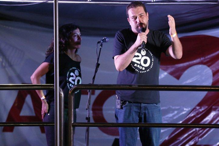 @BroadcastImagem: Guilherme Boulos discursa no evento dos 20 anos do MTST, no Largo da Batata, em SP. Alex Silva/Estadão