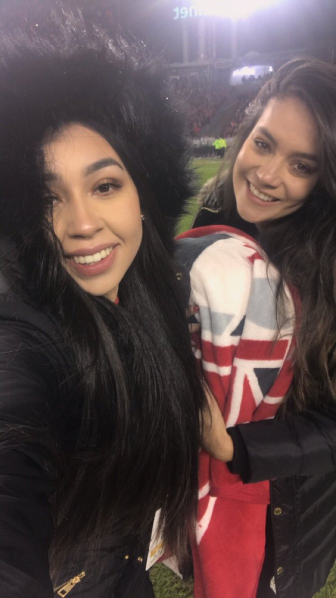 RT @elsievargas: Yesterday at BMO field celebrating with my amigaaaaa they won!!!! 🏆 @NiqueAldaba 👌🏼🎉👏🏼🥂🍾 love ya ! https://t.co/h1GdFaaWJY