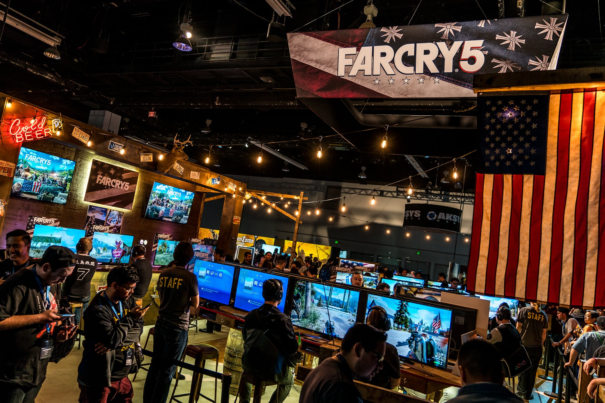 We'd like to raise a glass to the bar-themed Far Cry 5 booth at #PSX. https://t.co/7eWDcXMpqt