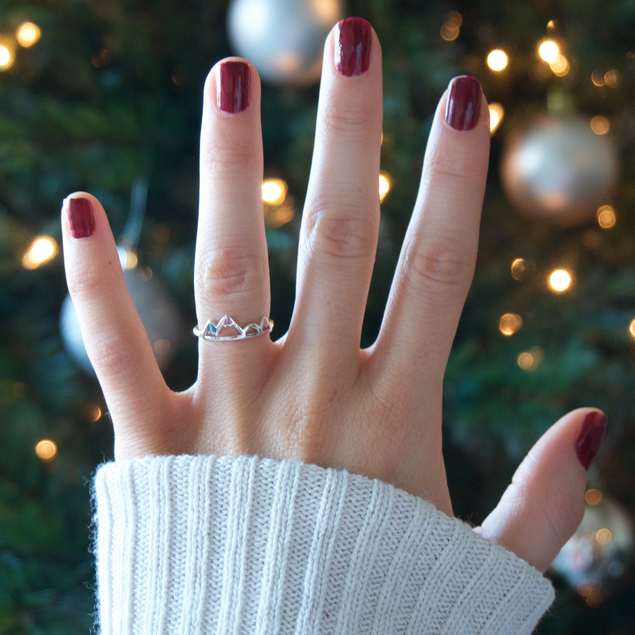 Neeed this high & low mountain ring from https://t.co/Uff0GMBIu2 https://t.co/ZjrwK31kEY