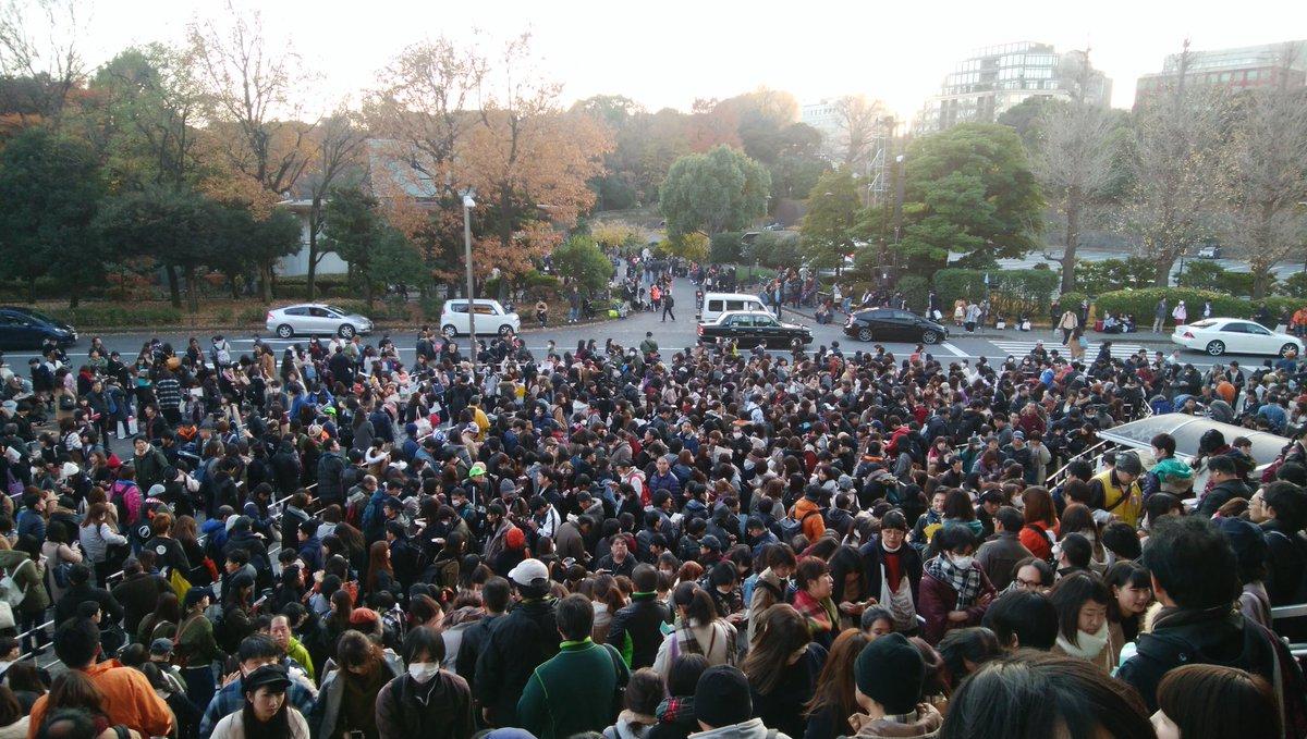 武道館を取り囲む2000人のグッズ列!!平日に驚異的な動員で業界を揺るがすワンセブン再ブレイクにアンチ脂肪wwwwwwwwww ->画像>104枚