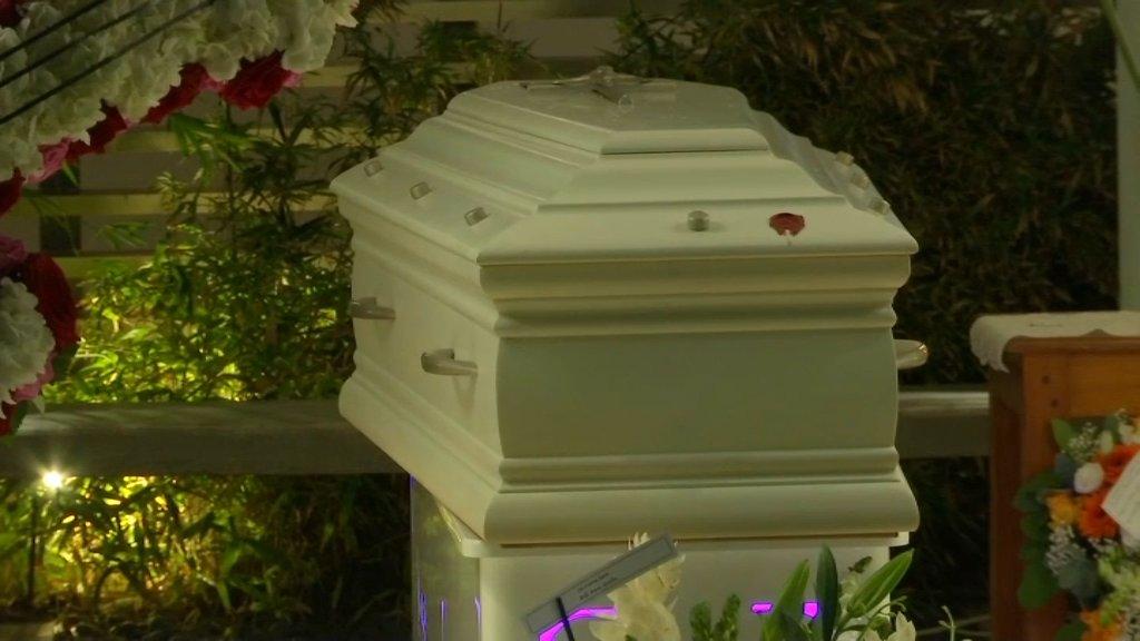 À Saint-Barthélemy, l'ultime adieu des habitants à Johnny
