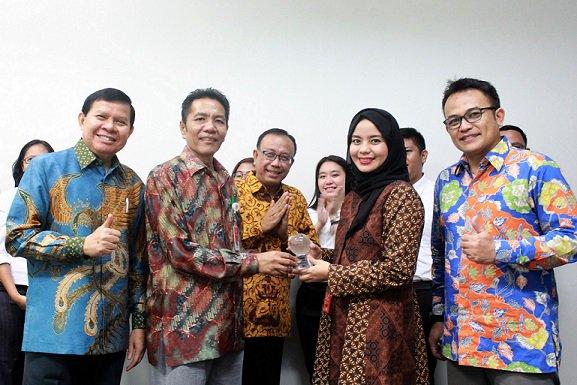 Indosat Ooredoo-Kemenpora Dukung Program Millennial Leaders https://t.co/cvXljeY9CD https://t.co/Wvg6dk4y1p