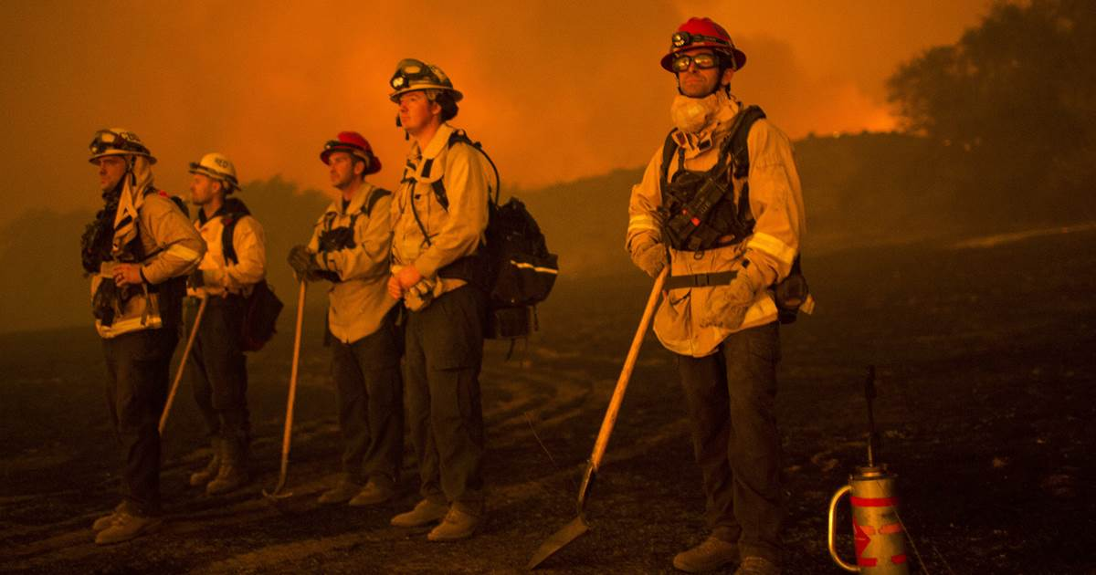 Thomas Fire rages on and becomes 5th largest in California history