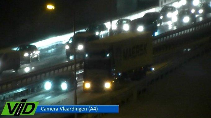RT @klavertje17: Deze vrachtwagen komt niet meer omhoog uit de Beneluxtunnel @WestlandersNu @HenkNieuws https://t.co/J14fD1XeJo