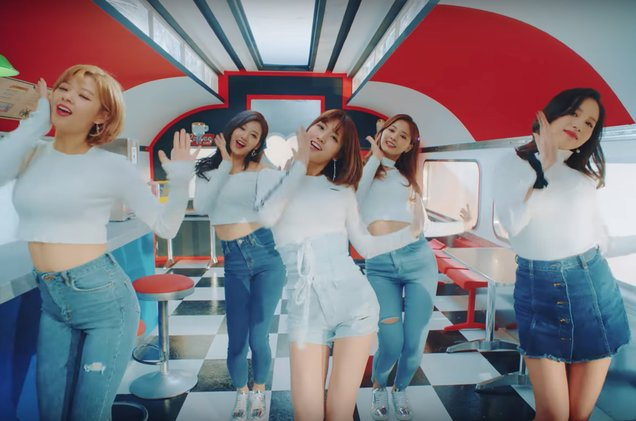 TWICE returns with 'Heart Shaker,' their fifth single of 2017 https://t.co/FMQovqNH7V https://t.co/HSQq64u6vD