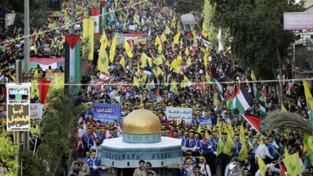 Hezbollah supporters in mass Beirut protest against Trump on Jerusalem