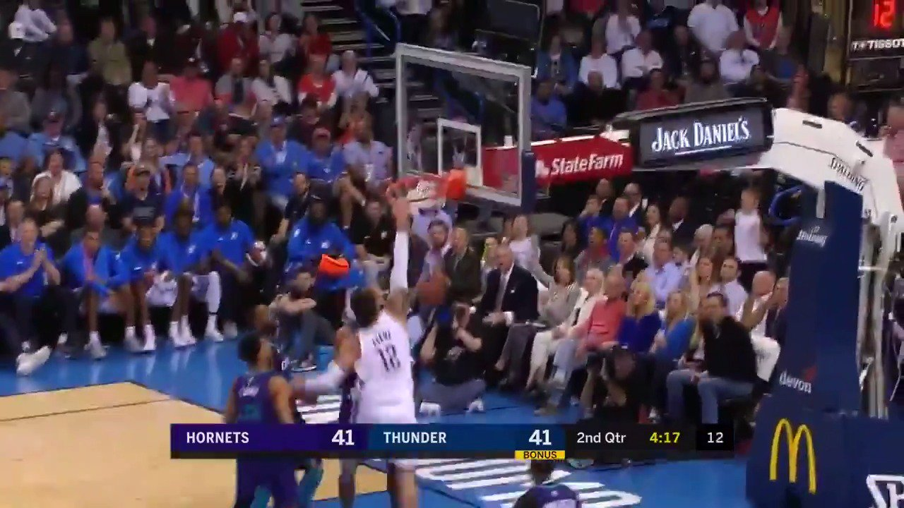 Steven Adams ➡️ Russell Westbrook ➡️ Steven Adams for the slam!  #ThunderUp https://t.co/GEH54qfBcy