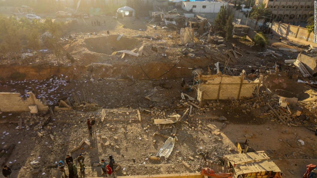 Israel airstrikes, Gaza rockets amid tensions overJerusalem