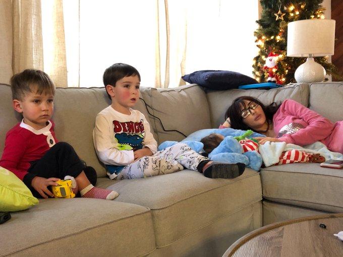 "Currently ""watching"" #FrostyTheSnowman w 3 of my nephews.⛄️ 😴🎄❤️#babysittingskillz 😋👍 https://t.co/v"