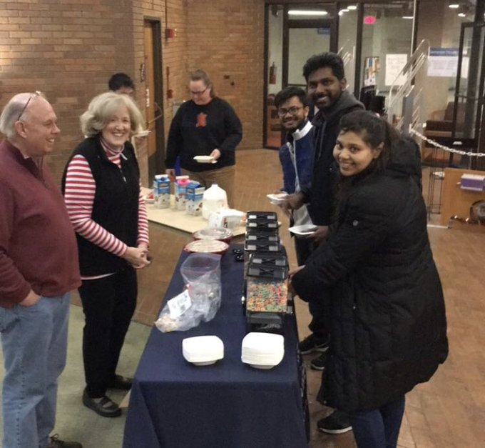 #UISedu Students: Take a break from finals! The @UISLib Cereal Bar is now open on the lower level of Brookens Library until 7 p.m. Go get your sugar fix! https://t.co/frxDDiUu0o