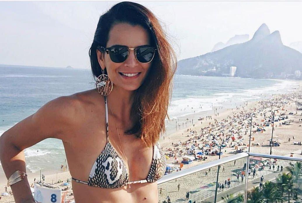 Fernanda Motta. Foto do site da Contigo que mostra Fernanda Motta ensina truque caseiro para deixar o cabelo brilhoso no póspraia