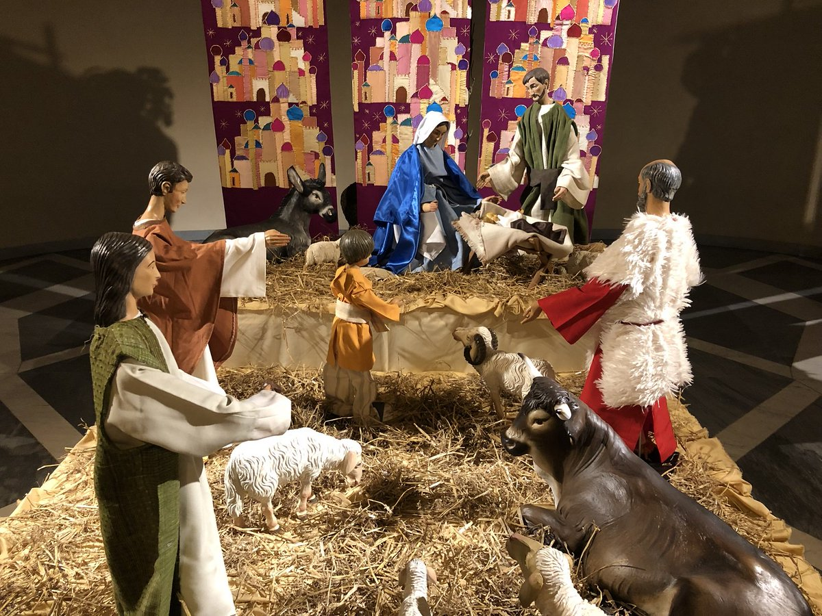 test Twitter Media - A very happy, blessed and peaceful Christmas to all.  May the peace of the Christ Child be in our lives and our world. https://t.co/MrDiYqZpb2