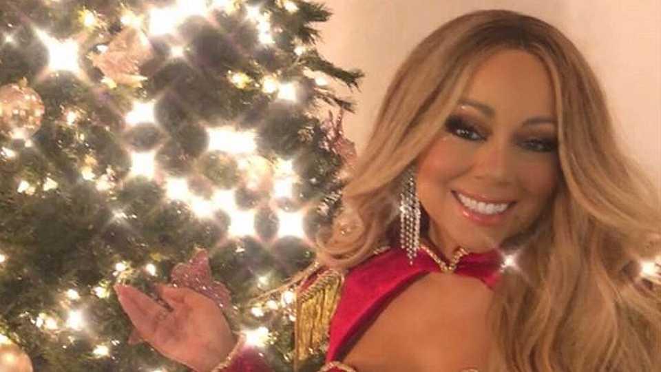 36 EPIC celebrity Christmas