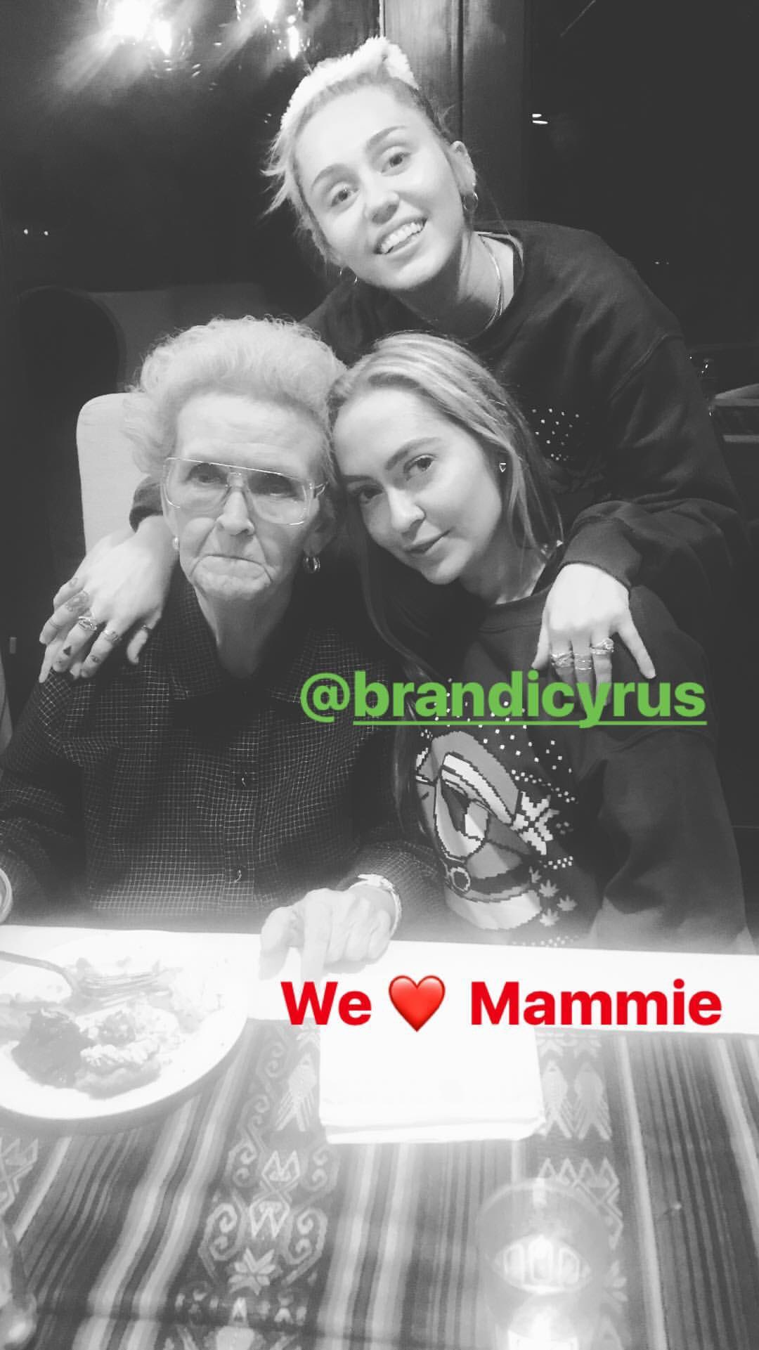 We ❤️ Mammie https://t.co/iw6O0xVk2z