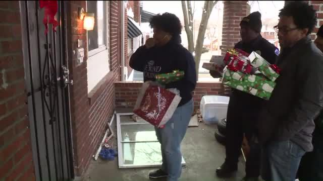 Community pulls together to aid a family beset by hard times ChristmasDay