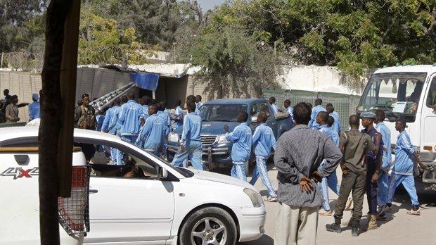 Suicide bomber kills 17 at Somalia police academy