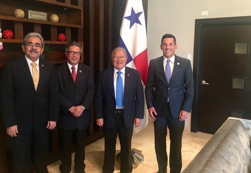 Presidente llega a Panamá para participar en cumbre del SICA - Diario Co Latino