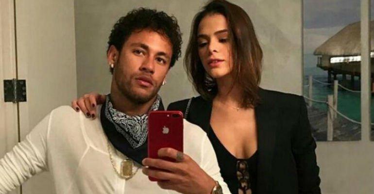 Bruna Marquezine. Foto do site da Contigo que mostra Neymar fala sobre reatar namoro com Bruna Marquezine   Confira