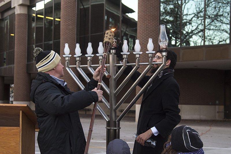 RT @PurdueToday: Purdue, community celebrate Hanukkah with menorah lighting https://t.co/lkBazuiBOj https://t.co/Yangy0Gs5r