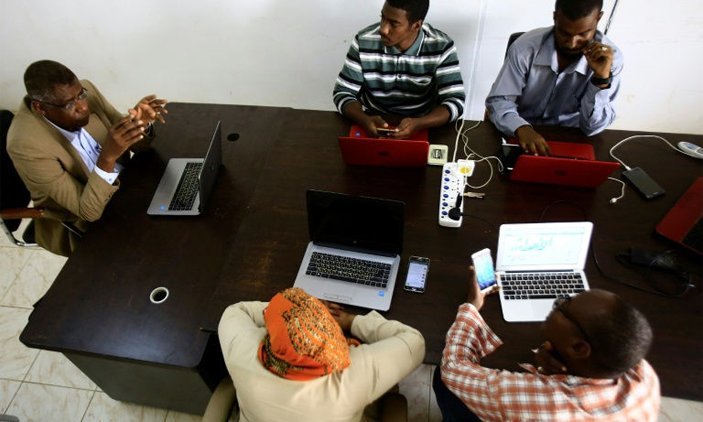 Sudan papers go online for freedom from censors