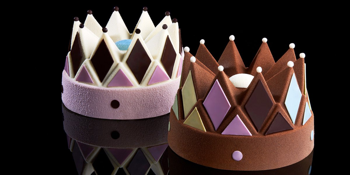 Crowning 10 years of Häagen-Dazs holiday cakes https://t.co/LnFSPMoQra #HaagenDazs #icecream #cake https://t.co/TxoWuUwi6A